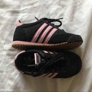 Girls Size 8 Black and Pink Adidas Dragon Sneakers